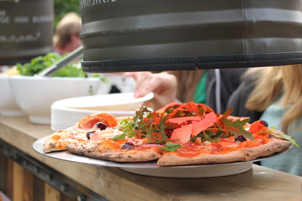 Mobiele pizzabakker Mobile Street Food